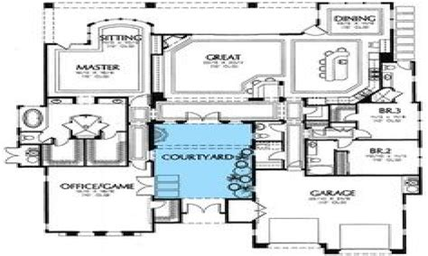 house plans with courtyards house plans courtyard style colonial home