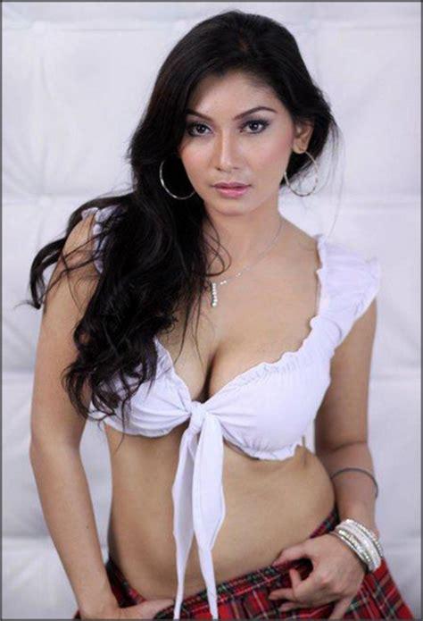 Wanita Lebih Cepat Dewasa 10 Model Majalah Popular Terseksi Top 10 Indo
