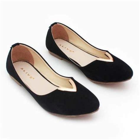 Flatshoes Hitam Gold pluvia sepatu flat shoes wanita rs04 hitam lazada