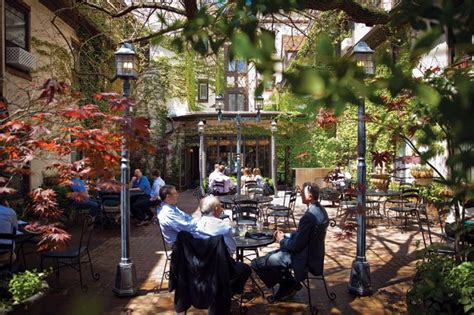 our top 10 favorite patios times seven st louis magazine