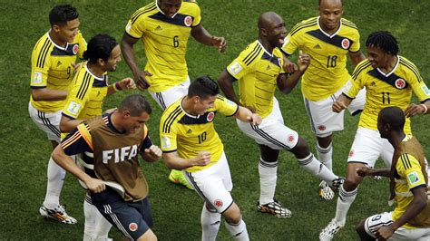 The sport of association football. Kolumbien tanzt ins Achtelfinale - FUSSBALL-WM - SPORT BILD