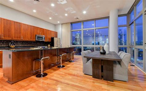 spectacular penthouse views the largest private roof deck