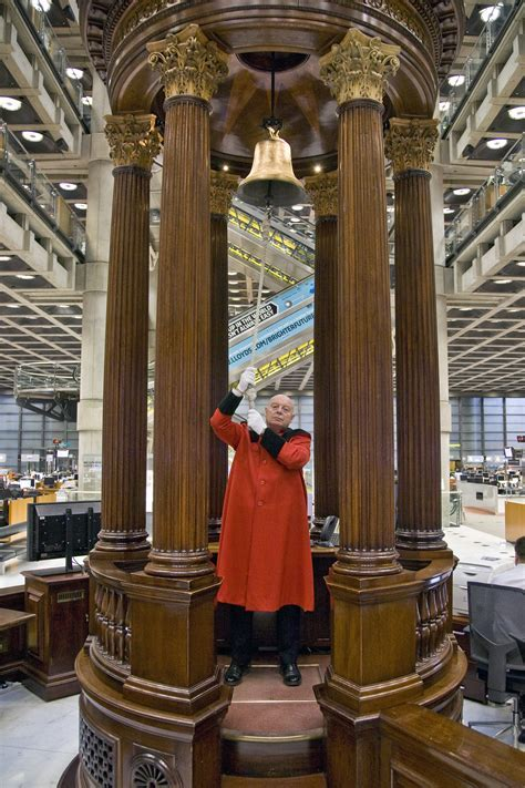 Inoxiclean Restore Makes The Lloyds Building Shine Again