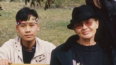 Sobri, ponyvafilm mari néni (2002) nobel inge dietrich (2001) sunshine older kato (1999) apa gyöz (1997) long twilight öregasszony (1997. Lebénult Törőcsik Mari nevelt fia - Kiskegyed