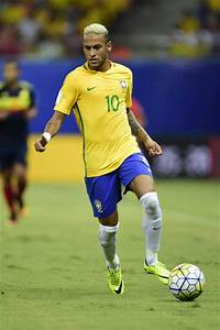 Neymar Photos Photos - Brazil v Colombia - 2018 FIFA World ...