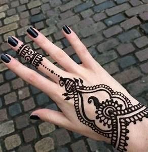 Henna Farbe Selber Machen : henna tattoo uralte kunst zur tempor ren hautverzierung mit pflanzenfarbe tattoos ~ Frokenaadalensverden.com Haus und Dekorationen