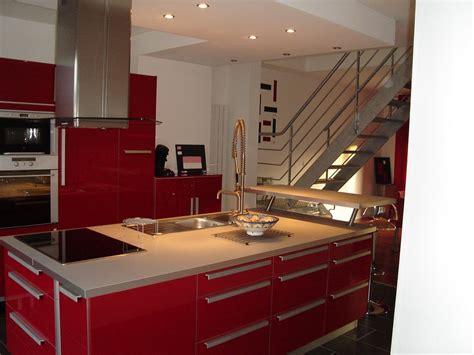 hotte cuisine centrale cette maison est a vendre et la cuisine centrale