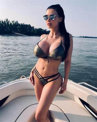 Ocean Aletta Winning Super Naked Hungarian