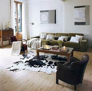 comment adopter la peau de vache dans linterieur tapis With tapis peau de vache avec canapé jaune 2 places