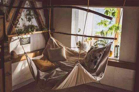 How To Make A Hammock Bed by Le Beanock Beanbag Hammock Bed Things I Desire The