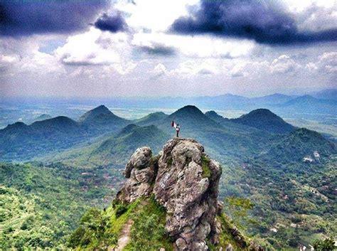 bukit cumbri wajah  wisata alam wonogiri