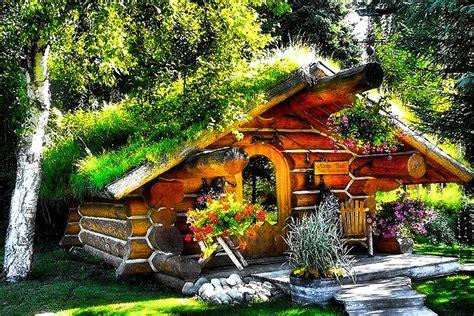 enjoy  magical stay   alaskan hobbit house    lake   talkeetna