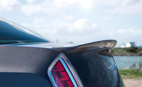 chrysler  rear spoiler