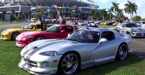 dodge sports car dodge viper invasion american sports car cars