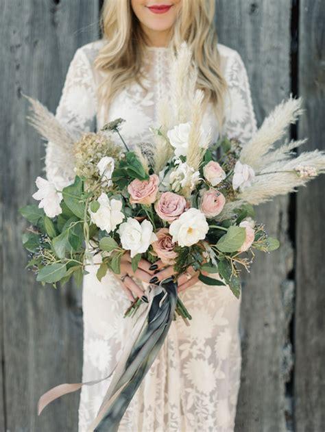 trend alert  incredible pampas grass wedding ideas