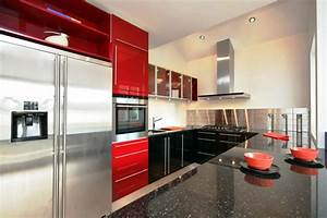 cocinas en rojo treinta y ocho disenos ardientes With kitchen cabinets lowes with red and black metal wall art