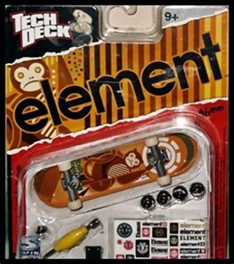 amazon com tech deck fingerboard element tosh townend