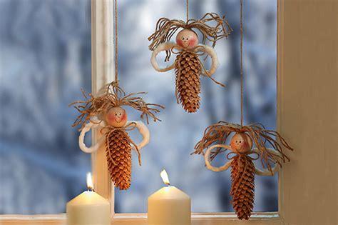 basteln mit naturmaterialien weihnachten weihnachtliche fensterengel basteln familie de