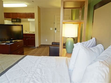 Extended Stay Deluxe / Deerwood