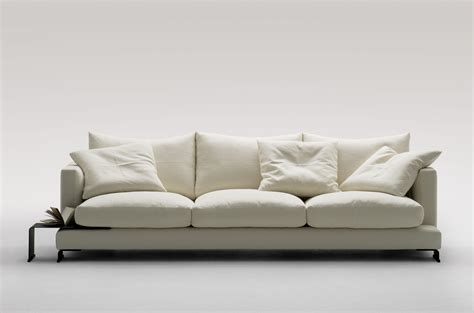 Essentia Environments Launches Its New Collection Of Sofas