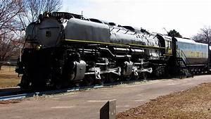 Union Pacific Challenger Steam Locomotive 3977 - YouTube
