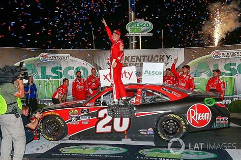 bell rallies late  win nascar xfinity race  kentucky