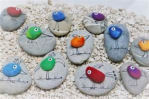 Basteln Mit Steinen : zaubervogel auf stein lallas ~ Watch28wear.com Haus und Dekorationen