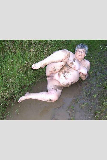 Granny Grandma Libby From United Kingdom Mud - YOUX.XXX