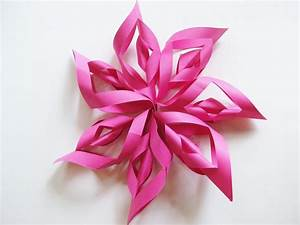 How to Make a Paper Starburst Kids' Party Decoration