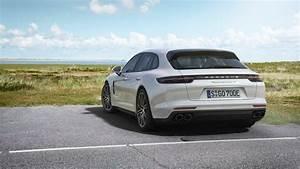 Porsche Panamera Hybride : porsche panamera turbo s e hybrid sport turismo ou le break de course ~ Medecine-chirurgie-esthetiques.com Avis de Voitures