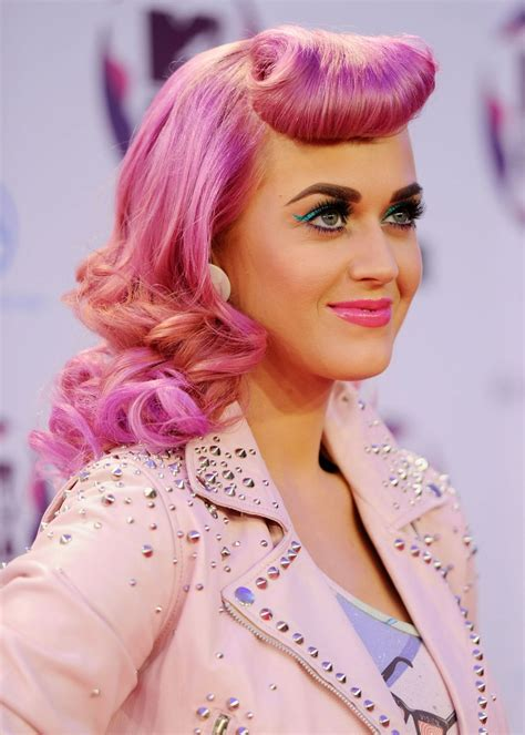 Katy Perrys 31 Best Hairstyles In Honor Of Her 31st