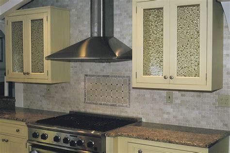 tumbled marble kitchen backsplash earthy tones tumbled backsplash great home decor 6392