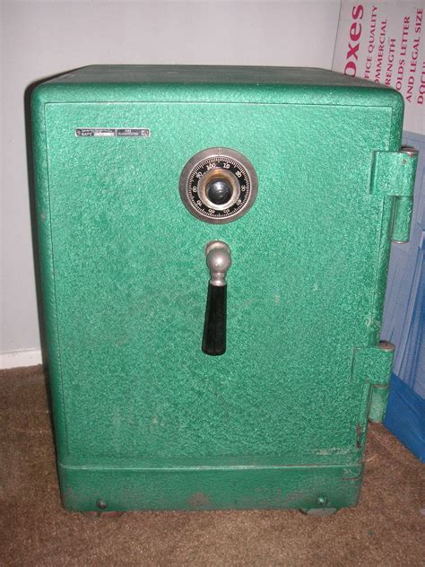 Re: Info wanted on old Diebold safe