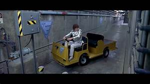 Austin powers international man of mystery golf cart for Austin powers bathroom scene