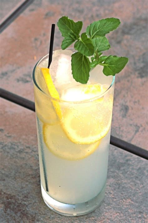 limoncello collins mix  drink