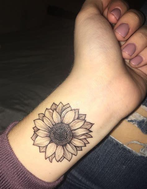 sunflower tattoo tattoos pinterest sunflowers  tattoo
