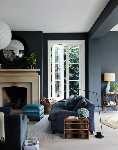 blaue wand wohnzimmer blaues sofa 50 einrichtungsideen mit sofa in blau die sehenswert sind interior living