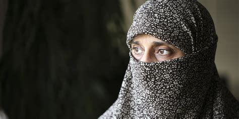 My Peek Under The Niqab -- Unraveling My Own Stereotypes
