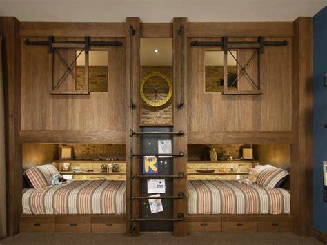 Rustic Bedroom Furniture & Decorating Ideas
