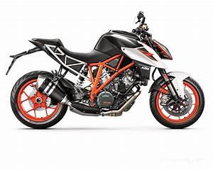 Ktm Super Duke R : ktm 1290 super duke r 2017 mont e en gamme moto magazine leader de l actualit de la moto ~ Medecine-chirurgie-esthetiques.com Avis de Voitures