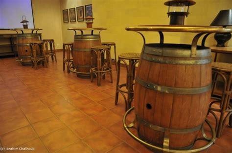 cuisine vin de l image du jour tonneaux tables