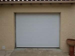 Achat d39une porte de garage enroulable en aluminium pas for Achat porte de garage