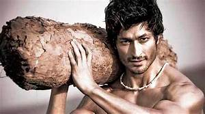Commando 2 Movie First Look, Images, Poster & HD ...
