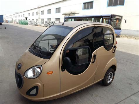 3 Wheel 2 Seat Car by Closed Cabin Passenger Tricycle 3 Wheel Electric