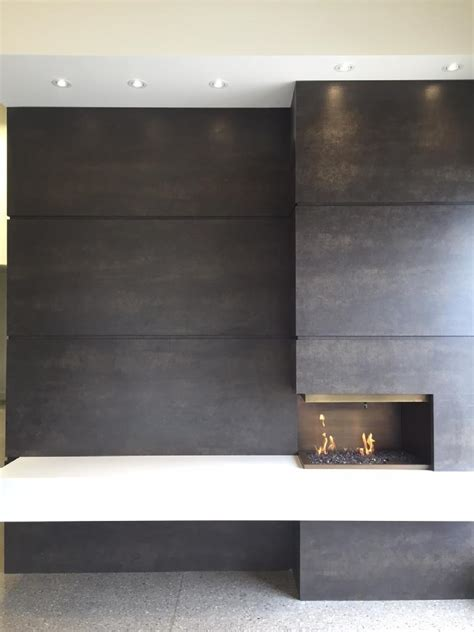 Fireplace: Neolith Iron Moss & Arctic White   Marble Trend