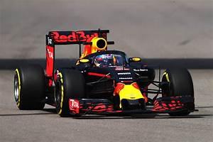 Red Bull Formule 1 : primeur voor scuderia ferrari shield wordt door ferrari als eerste getest heel veel ~ New.letsfixerimages.club Revue des Voitures