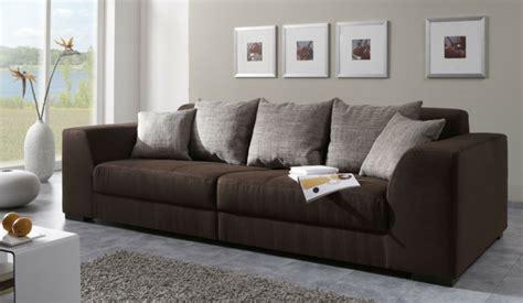 canapé marron pas cher le gros coussin pour canapé en 40 photos