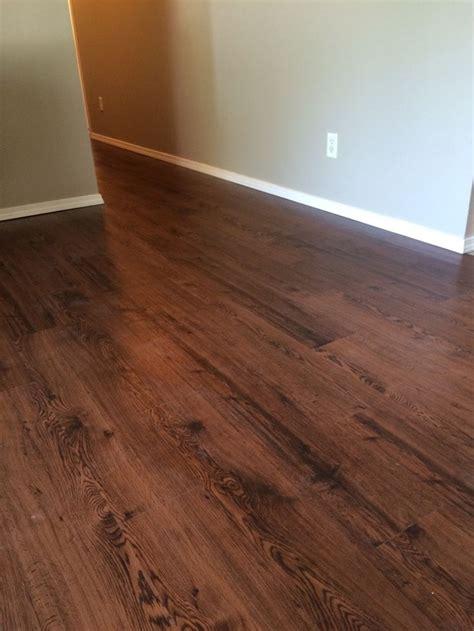 install  luxury vinyl tile floating floor