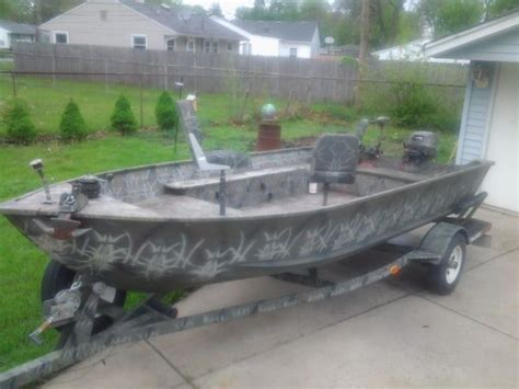 Bass Pro Hunting Boats by Bass Tracker Pro Guide V16 Camouflage Hunting And Fishing