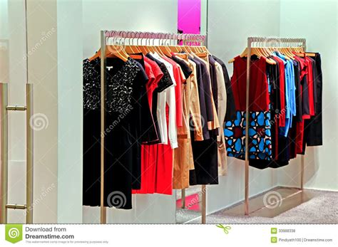 magasin cuisine wavre garde robe de magasin de mode photo stock image du
